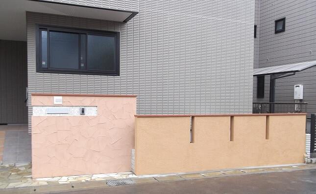 暖色の塗り壁が印象的な家 千葉県千葉市花見川区